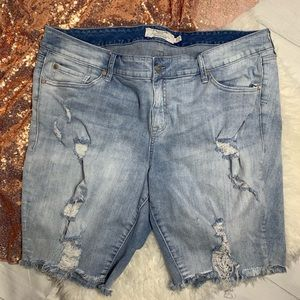Torrid Distressed Shorts size 20